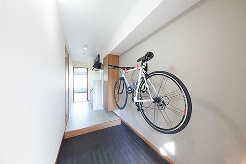 ゆとりの部屋 自転車のおける玄関画像